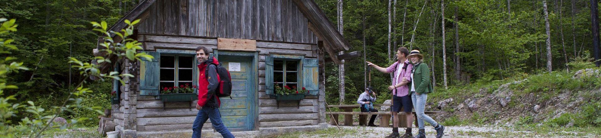 Jagdhütte 1920 x 401